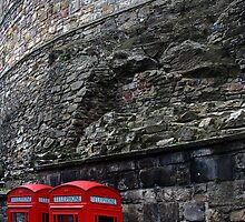 Calling Edinburgh Castle by Inishiata