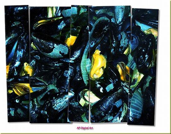 Blue Mussel / Mosselen by Andrea Maréchal