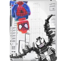 Lego Spiderman vs. Venom in the city (vert) iPad Case/Skin