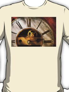 Clockmaker - What time is it T-Shirt