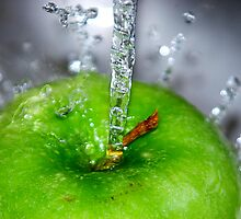 Apple Splash by Lindsay Dean