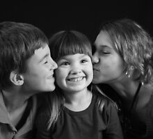 Happy Kisses by Nichole Schoff