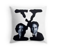 X-FILES - Scully & Mulder Throw Pillow