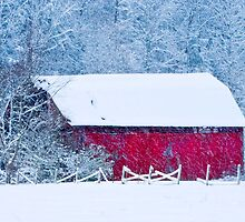 Red Barn in the Snow by BlueSmoke