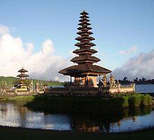 Ulan Danu Bali Indonesia by edenkl