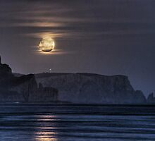 Tasman Moonrise by Colin Butterworth