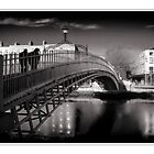 Halfpenny bridge Dublin by jimfrombangor