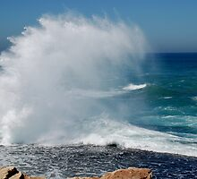 Ocean Mayhem by KeepsakesPhotography Michael Rowley