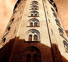 Round Tower by daive