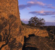 Glowing Rocks Sunset, Melville Caves by daveoh
