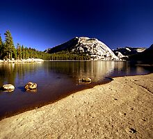 Lake Tenaya by steveberlin
