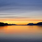 Mountains and sea - sunset & alpineglow by cascoly