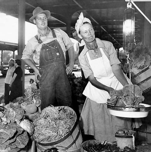 Farmers Market 1950s by Cleburnus