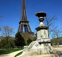 Eifel Tower by nadir