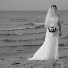 Alicia Wedding Beach Shoot by KeepsakesPhotography Michael Rowley