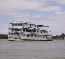 River cruising. by elphonline