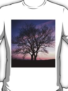 Two Trees embracing T-Shirt