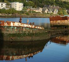 Derelict boat in Bowling Western Scotland by memphisto