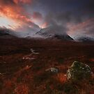 Srn na Crise - Glencoe by Douglas  Latham