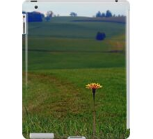 Dandelion with some scenery behind | landscape photography iPad Case/Skin