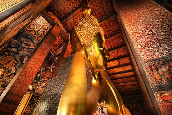 Reclining Buddha by Robyn Lakeman