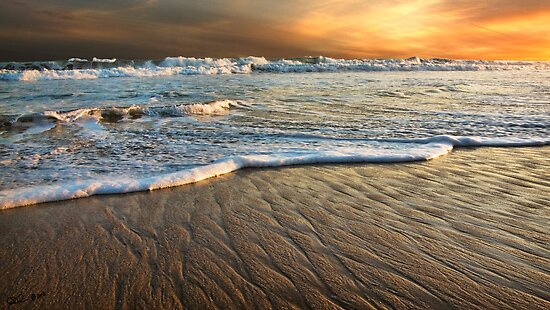 Golden Beach,Great Ocean Road. by Darryl Fowler