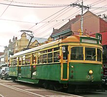 Melbourne's iconic Tram by Roz McQuillan