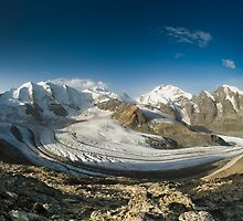 Bernina mountain range by peterwey
