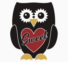 Black Owl with Red Heart - Sweet T-Shirt