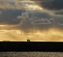 Chatting on the pier at Scheveningen harbour by jchanders