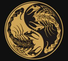 Yellow and Black Scorpions Yin Yang  T-Shirt