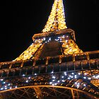 Cold night in Paris by lhyland