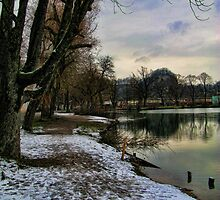 Frosty Lake by TheOzTraveller