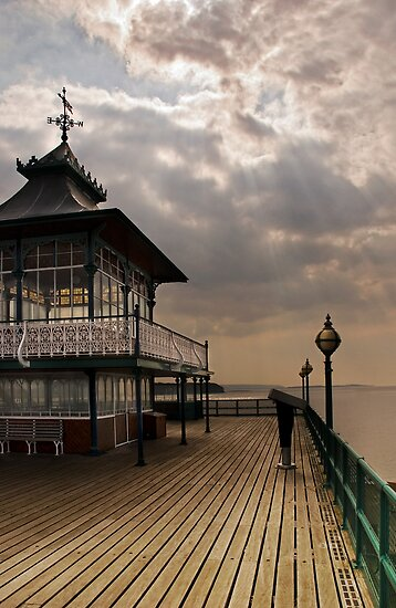Clevedon Pierhead by Paul Woloschuk
