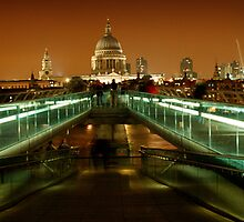 ST PAUL'S CATHEDRAL, LONDON by Eamon Fitzpatrick