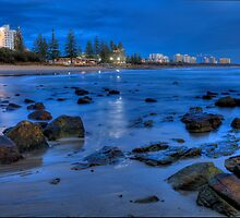 Pre-Dawn at Alexandra Headland. by Barbara Harris