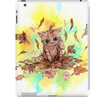 Kitty cat playing in a pile of leaves. Autumn iPad Case/Skin