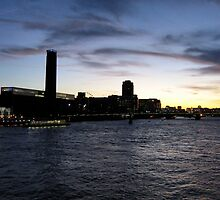 Thames Nightscape by profusemoose