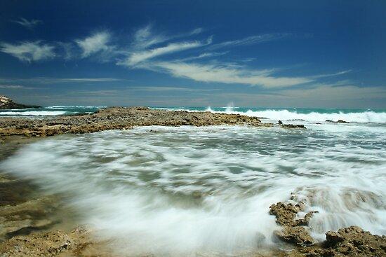 Wave flow by Steve Chapple
