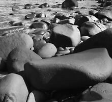 low view beach scene by oozeart