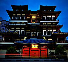 Buddha Tooth Relic Temple by Edy Lianto