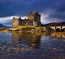 Eilean Donan Castle by hebrideslight