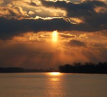 Ohio River Sunset by kentuckyblueman