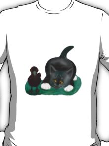 Crow and Kitten Enjoy a Spring Day T-Shirt