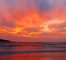 Squeaky Beach by Ern Mainka
