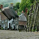 Shaftsbury - Hill Street - UK by Michael Tapping