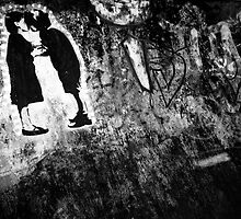 Graffiti Kiss by Paul Scrafton
