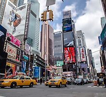 Times Square by davidefiume
