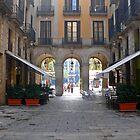 Plaça Reial, Barcelona by Tom Gomez