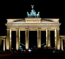 Brandenburger Tor (Brandenburg Gate), Berlin, Germany by Daniel Webb